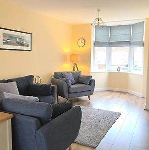 Filey Shore - Beautiful 3 Bedroom House With Parking And Garden, Close To Centre photos Exterior