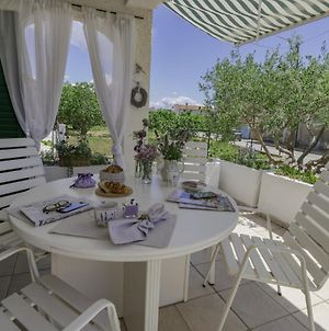 Holiday House With 2 Apartments Luka photos Exterior