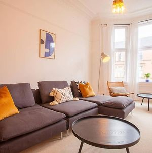 Stunning 2 Bed Property In Heart Of West End photos Exterior