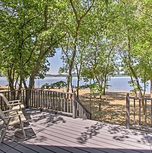 Lakefront Lake Pepin Cottage With Deck-Steps To Beach photos Exterior