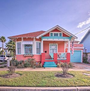 Roses Beach House - 2 Blocks To Pleasure Pier! photos Exterior