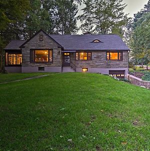 Historic Stone Cottage With Firepit-Walk To Lily Lake photos Exterior