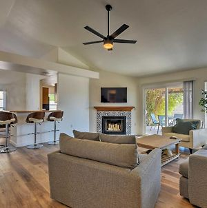 Newly Remodeled Mesa Home With Backyard And Fire Pit! photos Exterior