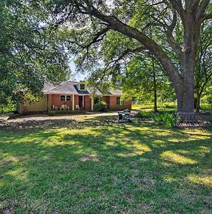 Secluded Baton Rouge Area Hideaway With Lawn! photos Exterior