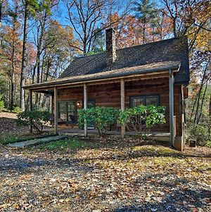 Woodland Cabin With Hot Tub And Deck 11 Mi To Boone! photos Exterior