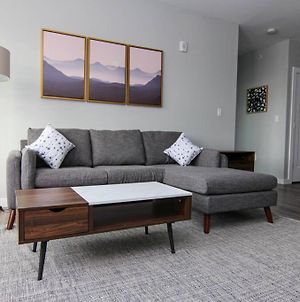 Luxury Apartment W/ Gym, Steps From Commuter Rail photos Exterior