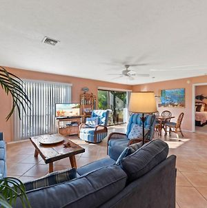 Enjoy Sunsets With Family On Sanibel'S Quiet West End - Blind Pass F101 photos Room