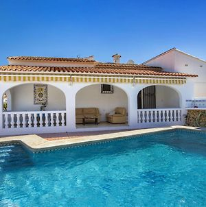 Luxurious 6 Person Villa With Swimming Pool In A Beautiful Area, Amazing Village, Amazing Location photos Exterior
