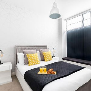 Stylish 2 Bedroom Town Centre Apartment photos Exterior