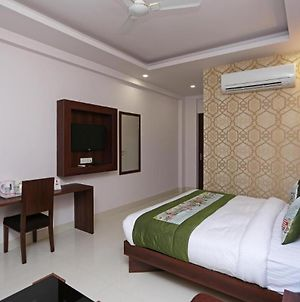 Room In Guest Room - Hotel Arch -Stunning Double Bedroom A Delightful Experience photos Exterior