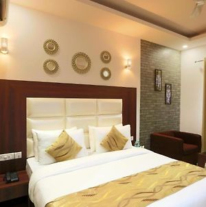 Room In Guest Room - Hotel Arch - Exceptional Double Bedroom Excellent Location photos Exterior