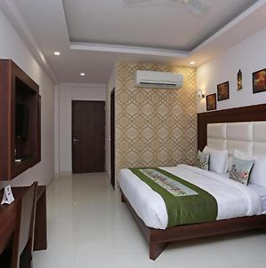 Room In Guest Room - Hotel Arch-Near Aerocity New Delhi-Graceful Architecture With Modern Facilities photos Exterior