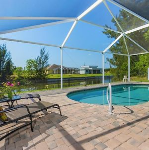Amazing Outdoor Living On A Freshwater Canal, 4 Bedrooms, Pet-Friendly - Villa Becky photos Exterior