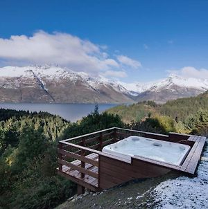 Southerly Lake Side Retreat,Private,Hot Tub And Views photos Exterior