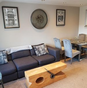 Bowness On Windermere, Lovely Apartment For 4 With Parking photos Exterior