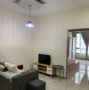 Flexis One South, Relaxing Home At Seri Kembangan To Mines N Bukit Jalil 5 Mins To Mid Valley 20Mins Only photos Exterior