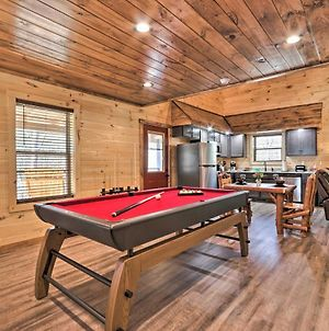 Luxe Cabin Getaway With Hot Tub 1 Mi To Parkway photos Exterior