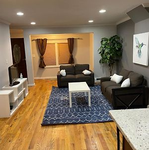 Two Story Townhouse In Nyc, 4Br 2Bath 6Beds. photos Exterior