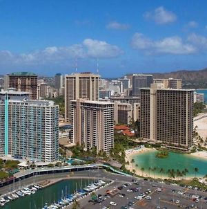 Waikiki Studio 1 Oceanview, Rental Cars Available, Private Helicopter Tours Available photos Exterior