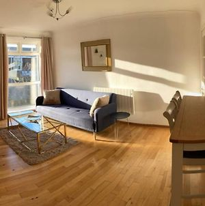 Homely 2 Bedroom Apartment - Newcastle, Free Parking photos Exterior