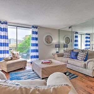 Resort-Style Condo Located In Harbour Town! photos Exterior