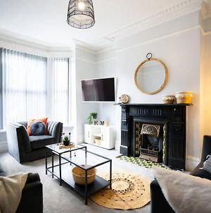 Beautiful 5 Bed Town House In The Heart Of Leeds photos Exterior