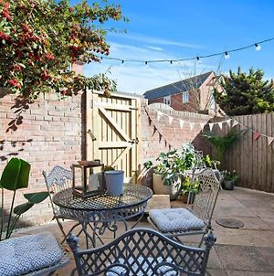 Church Cottages - 3Bd Coastal Retreat, 7Mins To The Beach With Parking photos Exterior