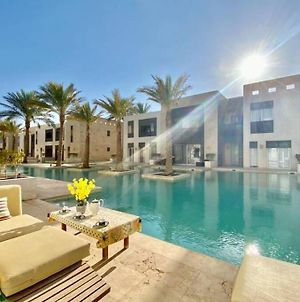 2 Bedroom Apartment Direct To Pool photos Exterior