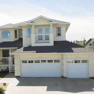 Million Dollar Home In Great Location By Henday, Whitemud Drive, Close To Everything photos Exterior