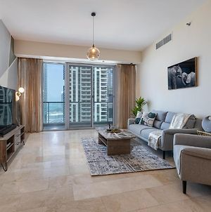 Trendy 2 Bed Holiday Home With Palm Jumeirah Views photos Exterior