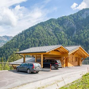 Grand Chalet With Jacuzzi On Slopes In Riddes photos Room