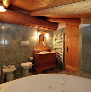Typical Cottage In Bellamonte Italy With Jacuzzi photos Room