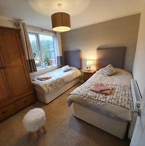 Charming 3-Bed Lodge On Windermere With Hot Tub photos Exterior