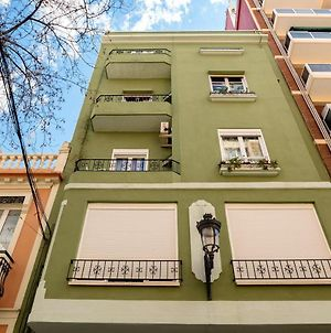 Apartment With 3 Bedrooms In Valencia With Wifi 700 M From The Beach photos Exterior