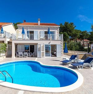 Villa With 4 Bedrooms In Brac With Wonderful Sea View Private Pool Enclosed Garden 200 M From The Beach photos Exterior