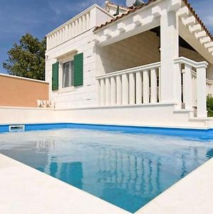 Villa With 2 Bedrooms In Pucisca With Wonderful Sea View Private Pool Enclosed Garden photos Exterior