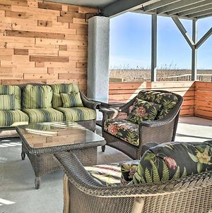 Luxurious Waterfront Retreat With Private Pier! photos Exterior