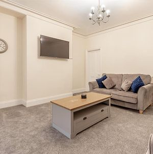 Beautiful 4 Bed House Worcester City Centre photos Exterior