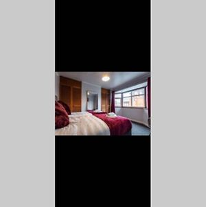 3 Bed House Perfect For Contractors Sleeps 7 photos Exterior