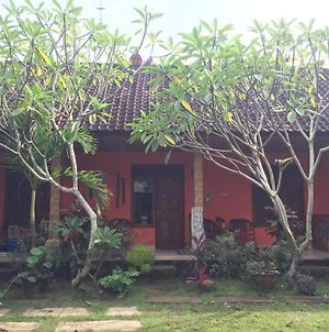 Made Roejas Homestay photos Exterior