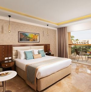 Royal Albatros Moderna photos Exterior