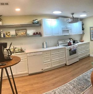 E12 Awesome Renovation, Comfy Well Stocked Kitchen Make Some Memories! photos Exterior