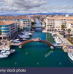 Apartment With One Bedroom In Frejus With Wifi 300 M From The Beach photos Exterior