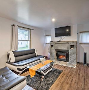 Gloversville Apartment With Fireplace And Essentials! photos Exterior