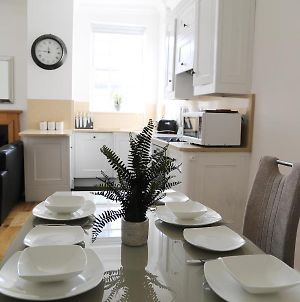 Letting Serviced Apartments - Guards View, Windsor photos Exterior