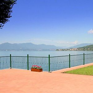 Modern Mansion With Private Beach At Lake Maggiore photos Exterior