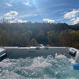 River Villa With Amazing View + Jacuzzi, Garden, Forest Access photos Exterior