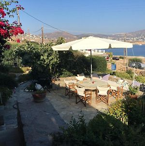 Small Villa For A Family Or Two Couples Very Close To The Sea With Awesome View photos Exterior