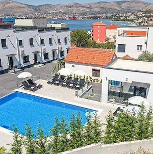 Beautiful Home In Okrug Gornji With Outdoor Swimming Pool, Wifi And 2 Bedrooms photos Exterior