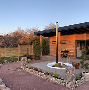 Peaceful Bothy Retreat With Wood Fired Hot Tub photos Exterior